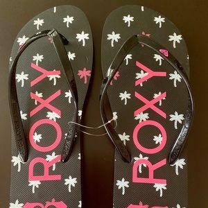 Roxy Girls Flip Flops.  Size 3 NWT